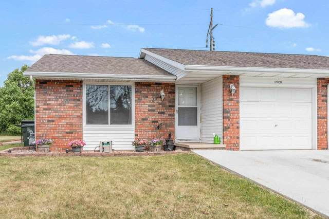 1928 Terry Lane, De Pere, WI 54115 (#50242476) :: Todd Wiese Homeselling System, Inc.
