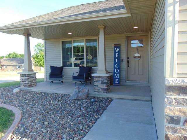 1225 Boxer Street, Kaukauna, WI 54130 (#50242504) :: Todd Wiese Homeselling System, Inc.
