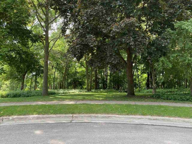 907 Laurel Lane, Kaukauna, WI 54130 (#50242518) :: Todd Wiese Homeselling System, Inc.