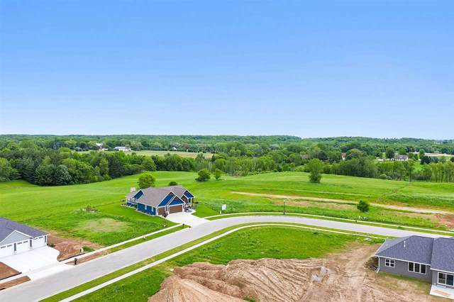 4252 Downton Circle, Green Bay, WI 54313 (#50242540) :: Todd Wiese Homeselling System, Inc.