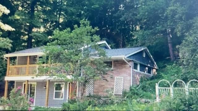 2260 Cedar Lane, Green Bay, WI 54313 (#50242557) :: Todd Wiese Homeselling System, Inc.