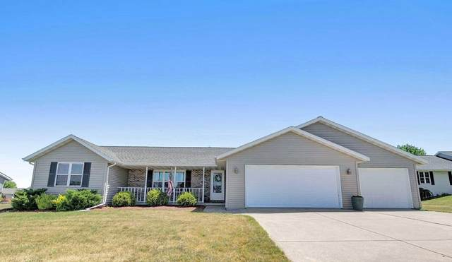 1672 Meadows Lane, Luxemburg, WI 54217 (#50242558) :: Todd Wiese Homeselling System, Inc.