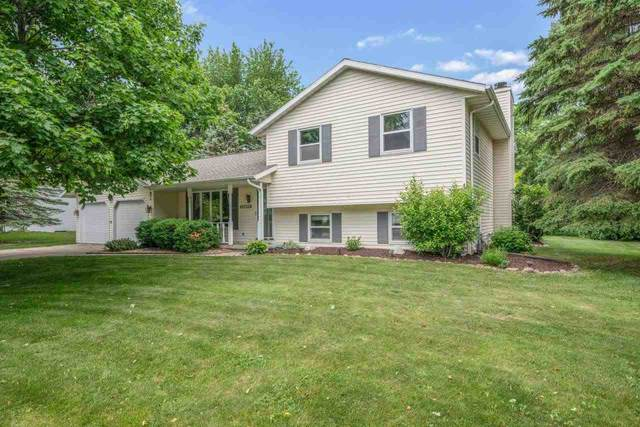 2132 Descendant Lane, Green Bay, WI 54313 (#50242559) :: Todd Wiese Homeselling System, Inc.