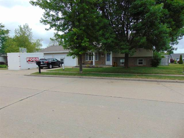 940 W Florida Avenue, Little Chute, WI 54140 (#50242590) :: Todd Wiese Homeselling System, Inc.