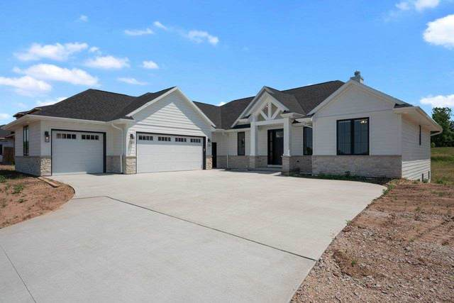4667 Royal Vista Trail, De Pere, WI 54115 (#50242610) :: Todd Wiese Homeselling System, Inc.