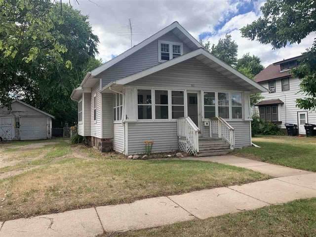 511 S Washington Street, Shawano, WI 54166 (#50242612) :: Todd Wiese Homeselling System, Inc.