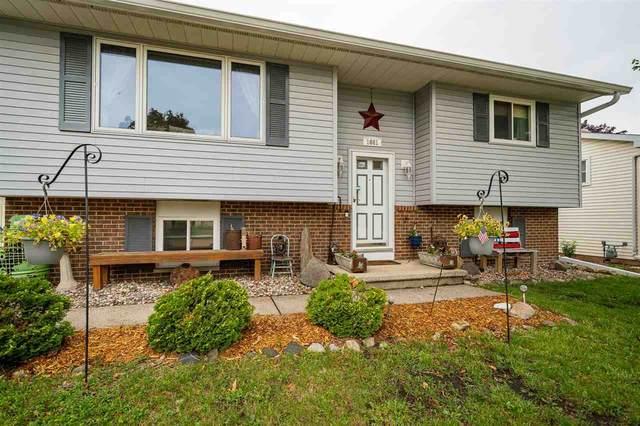 1661 Covington Drive, Oshkosh, WI 54904 (#50242986) :: Carolyn Stark Real Estate Team