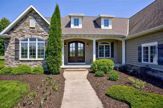 2630 Breaker Trail, Neenah, WI 54956 (#50243039) :: Carolyn Stark Real Estate Team