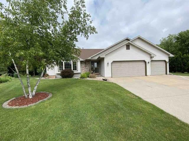 1070 Island Estates Court, Oshkosh, WI 54901 (#50243045) :: Todd Wiese Homeselling System, Inc.