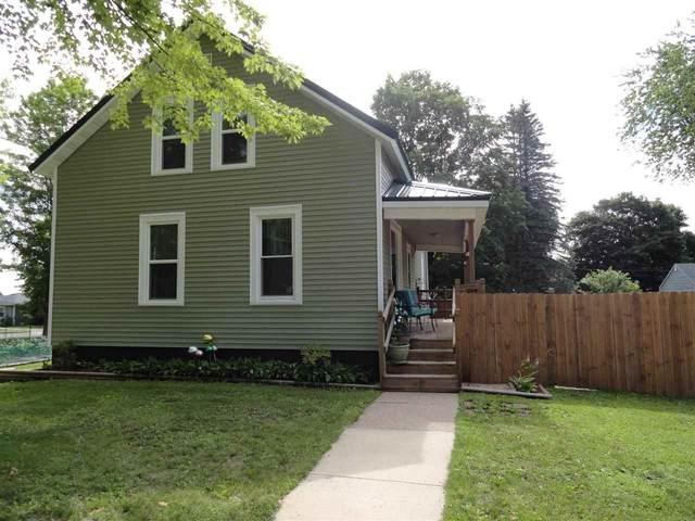 206 N Main Street, Clintonville, WI 54929 (#50243184) :: Carolyn Stark Real Estate Team