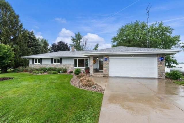 W9815 Dunn Road, Fox Lake, WI 53933 (#50243224) :: Todd Wiese Homeselling System, Inc.