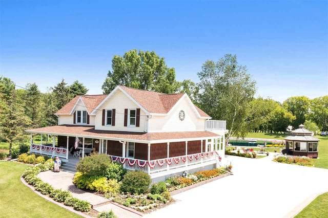 1216 N Main Street, Seymour, WI 54165 (#50243304) :: Carolyn Stark Real Estate Team