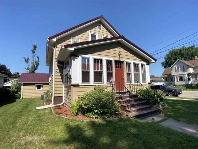 501 S Union Street, Shawano, WI 54166 (#50243463) :: Carolyn Stark Real Estate Team