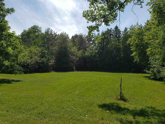 Crestwood Drive, Oshkosh, WI 54904 (#50243534) :: Ben Bartolazzi Real Estate Inc