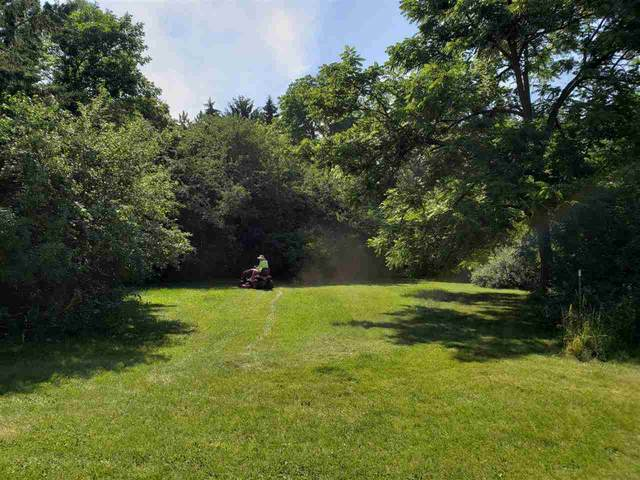 Crestwood Drive, Oshkosh, WI 54904 (#50243540) :: Ben Bartolazzi Real Estate Inc