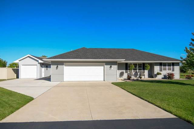 2691 Lawrence Drive, De Pere, WI 54115 (#50243653) :: Todd Wiese Homeselling System, Inc.