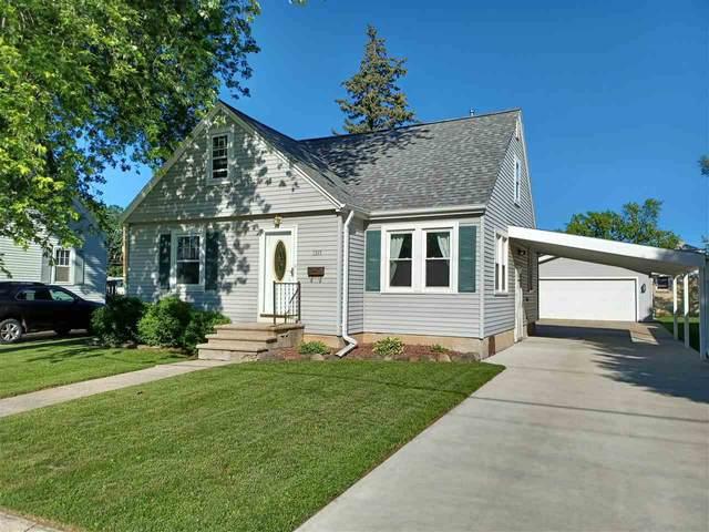 1315 Wirtz Avenue, Green Bay, WI 54304 (#50243674) :: Symes Realty, LLC