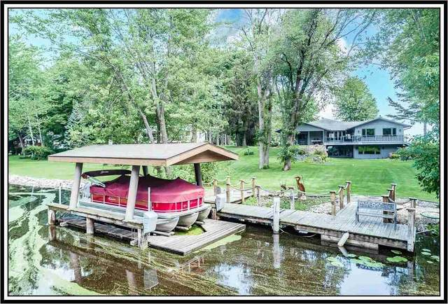 E7451 Red Oak Road, Fremont, WI 54940 (#50243721) :: Todd Wiese Homeselling System, Inc.