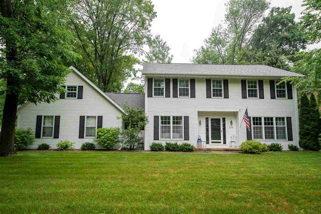 2740 Holly Way, Green Bay, WI 54313 (#50243732) :: Todd Wiese Homeselling System, Inc.