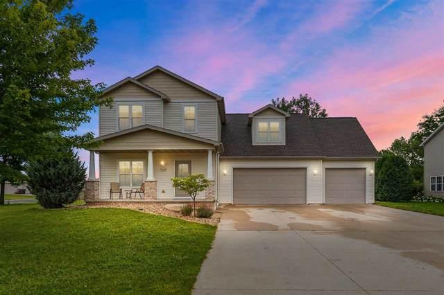 N9478 Hunter Street, Appleton, WI 54915 (#50243810) :: Todd Wiese Homeselling System, Inc.