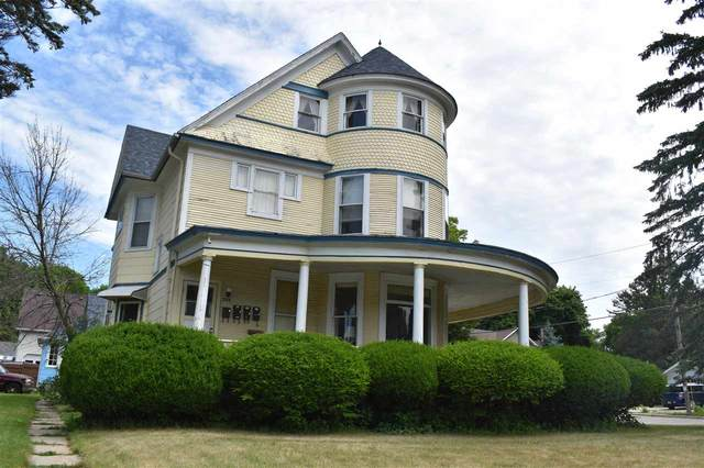 528 Michigan Street, Sturgeon Bay, WI 54235 (#50243861) :: Carolyn Stark Real Estate Team