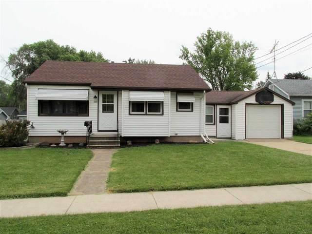 420 Madison Avenue, Omro, WI 54963 (#50244114) :: Carolyn Stark Real Estate Team