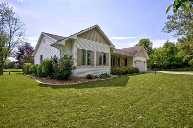 4396 Swallow Banks Lane, Oshkosh, WI 54904 (#50244212) :: Carolyn Stark Real Estate Team