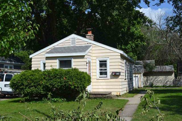 816 Shea Avenue, Green Bay, WI 54303 (#50244274) :: Symes Realty, LLC