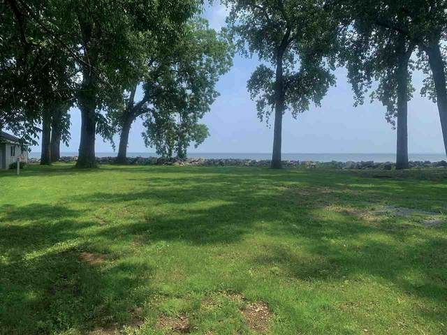 2040 Cottage Road, Little Suamico, WI 54141 (#50244285) :: Symes Realty, LLC