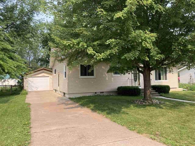 1117 S Franklin Street, Shawano, WI 54166 (#50244352) :: Carolyn Stark Real Estate Team