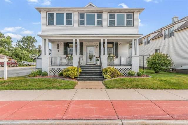 213 W Pulaski Street, Pulaski, WI 54162 (#50244409) :: Todd Wiese Homeselling System, Inc.