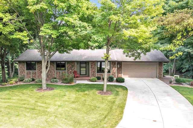 1331 Hiawatha Circle, Green Bay, WI 54313 (#50244555) :: Ben Bartolazzi Real Estate Inc