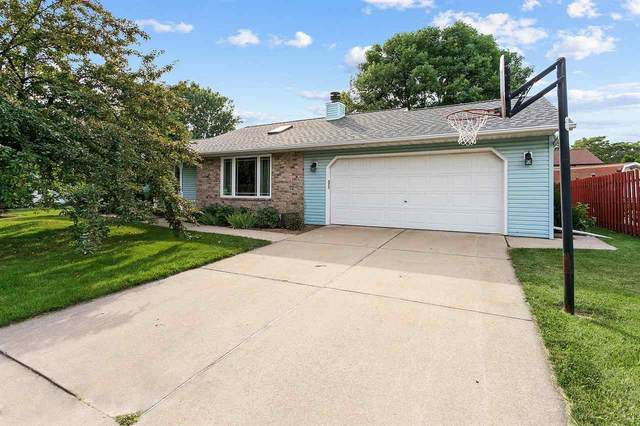 707 Desplaine Road, De Pere, WI 54115 (#50244601) :: Todd Wiese Homeselling System, Inc.