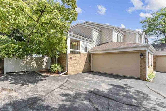 1 Lawrence Court, Appleton, WI 54911 (#50244647) :: Todd Wiese Homeselling System, Inc.