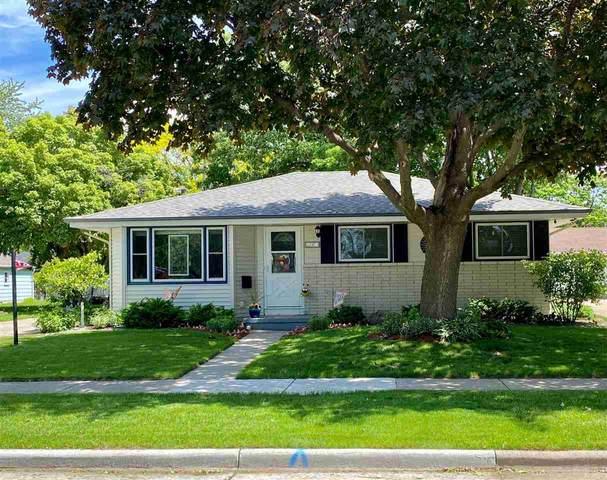 140 N Eagle Street, Oshkosh, WI 54902 (#50244673) :: Ben Bartolazzi Real Estate Inc