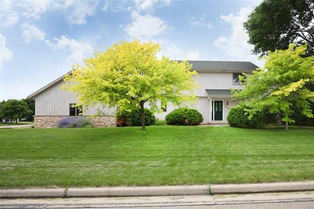 1657 Hickory Hollow Lane, Menasha, WI 54952 (#50244679) :: Carolyn Stark Real Estate Team