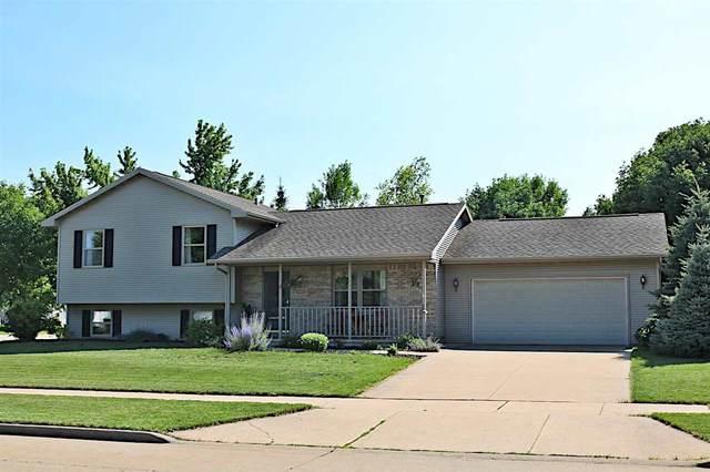 4001 Prairie Lane, Oshkosh, WI 54901 (#50244723) :: Ben Bartolazzi Real Estate Inc