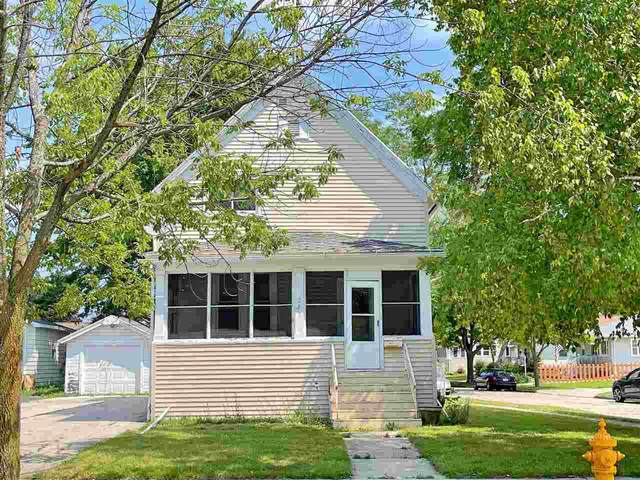 391 4TH Street, Fond Du Lac, WI 54935 (#50244734) :: Dallaire Realty