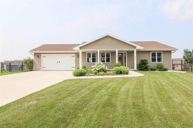 2270 Lensmire Lane, Waupaca, WI 54981 (#50244785) :: Carolyn Stark Real Estate Team