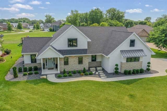 2537 S Huntington Way, Suamico, WI 54173 (#50244795) :: Ben Bartolazzi Real Estate Inc