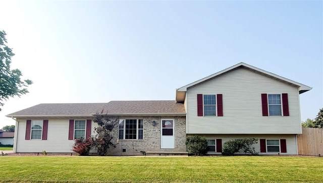 66 Chateau Terrace, Oshkosh, WI 54901 (#50244802) :: Todd Wiese Homeselling System, Inc.