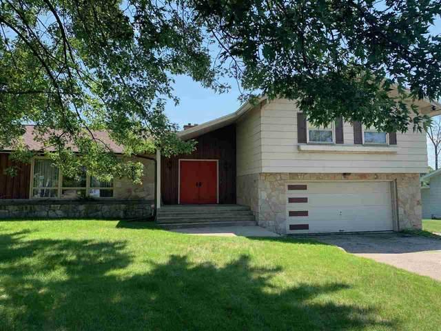 2611 14TH Avenue, Menominee, MI 49858 (#50244810) :: Town & Country Real Estate