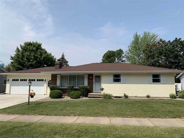 2105 Sullivan Avenue, Kaukauna, WI 54130 (#50244839) :: Carolyn Stark Real Estate Team
