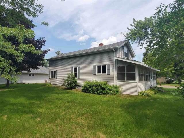 210 E Sumner Street, Weyauwega, WI 54983 (#50244856) :: Todd Wiese Homeselling System, Inc.