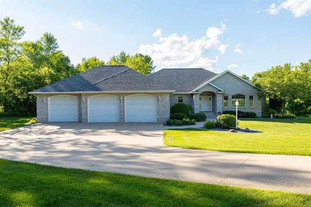 736 Washington Street, Wrightstown, WI 54180 (#50244889) :: Carolyn Stark Real Estate Team