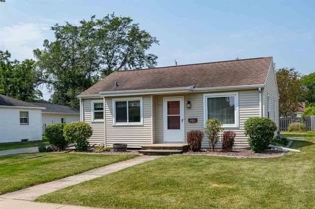921 Hunt Avenue, Neenah, WI 54956 (#50244902) :: Carolyn Stark Real Estate Team