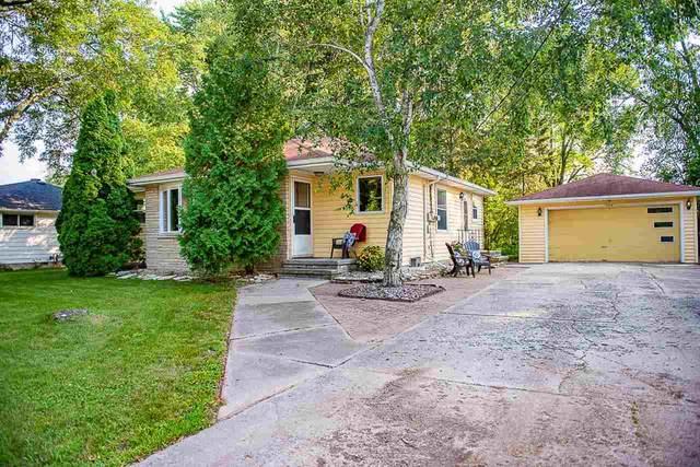 1013 Hillcrest Drive, Kaukauna, WI 54130 (#50244906) :: Carolyn Stark Real Estate Team