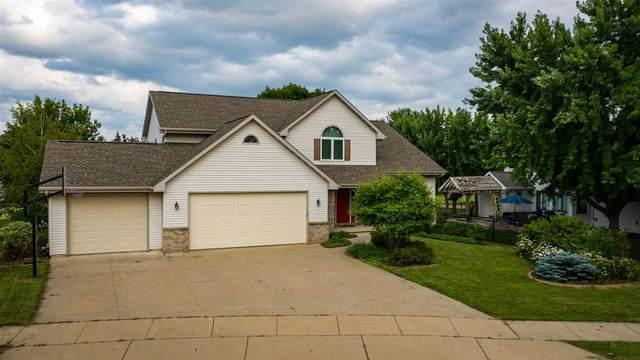4600 N Haymeadow Avenue, Appleton, WI 54913 (#50244914) :: Todd Wiese Homeselling System, Inc.