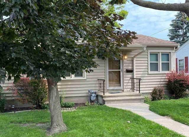 448 W 8TH Avenue, Oshkosh, WI 54902 (#50244940) :: Todd Wiese Homeselling System, Inc.