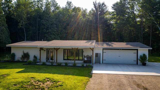 3018 Cedar Lane, Abrams, WI 54141 (#50244953) :: Carolyn Stark Real Estate Team